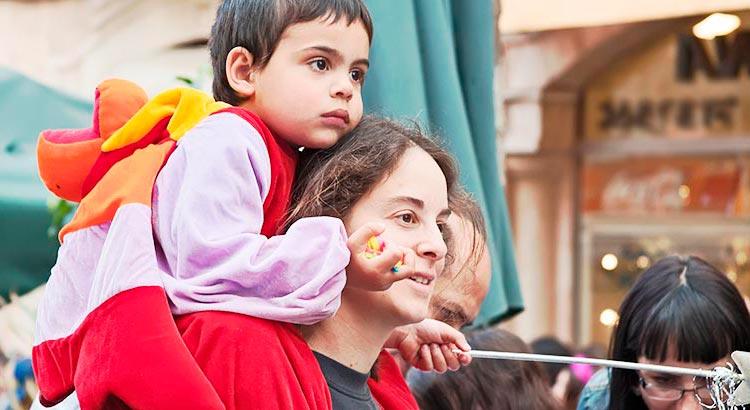 Carnaval com bebês e crianças